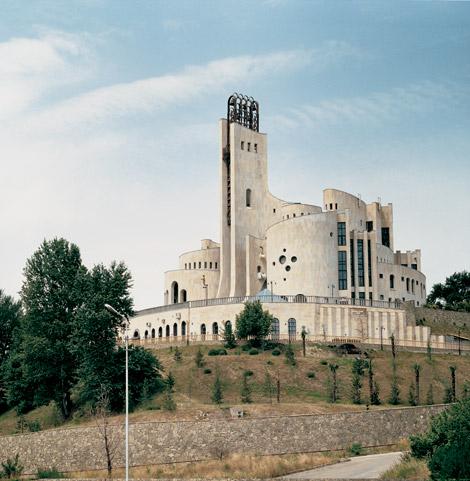 http://sorwellz.free.fr/blog2012/0209-architecture-sovietique-frederic-chaubin-04.jpg